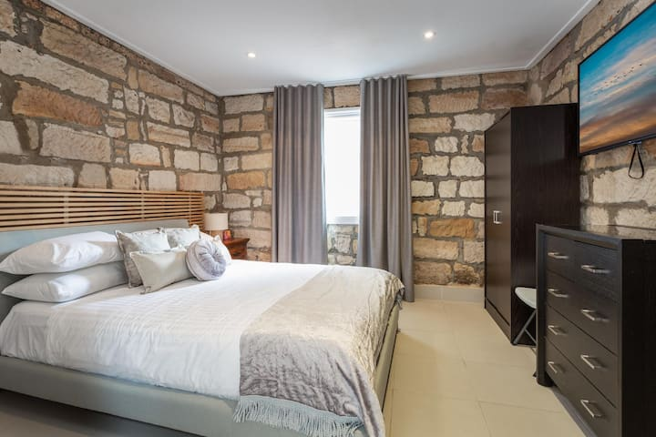 Cosy Unit Next to Star Casino and Harbourside Mall