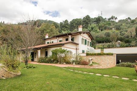 Villa Pietrasanta con Piscina  - Pietrasanta - Vila