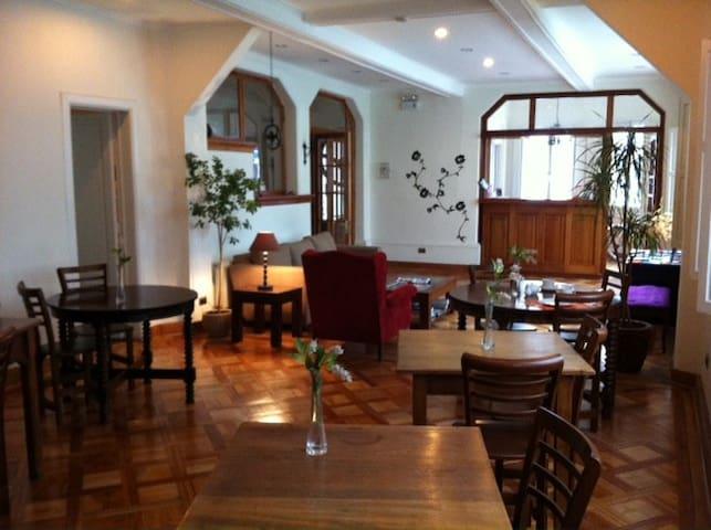 Bed & Breakfast Casa Bonita - Santiago - Bed & Breakfast