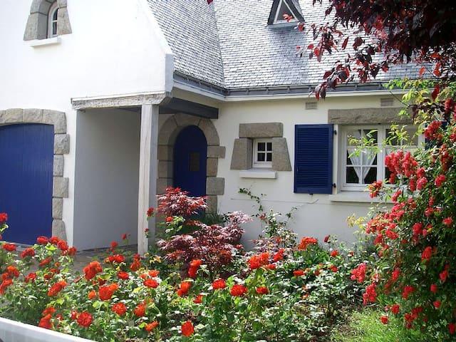 Belle maison de vacances proche mer - Port Louis - Hus