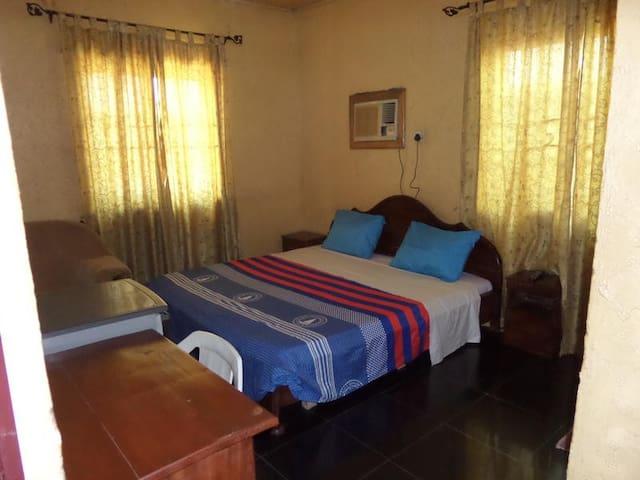 Abi-K Suites-Deluxe Room