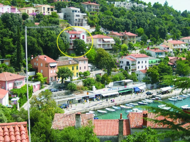 A spacious apartment in central position, seeview - Rabac - Lakás