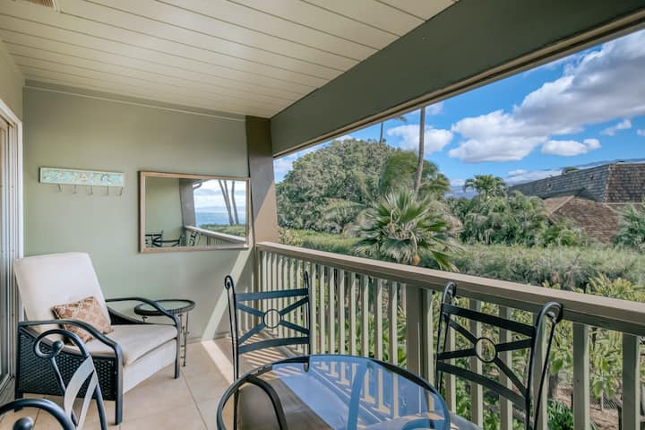 Second-Floor Oceanfront Getaway w/ Treetop Views & Free WiFi plus a Shared Pool