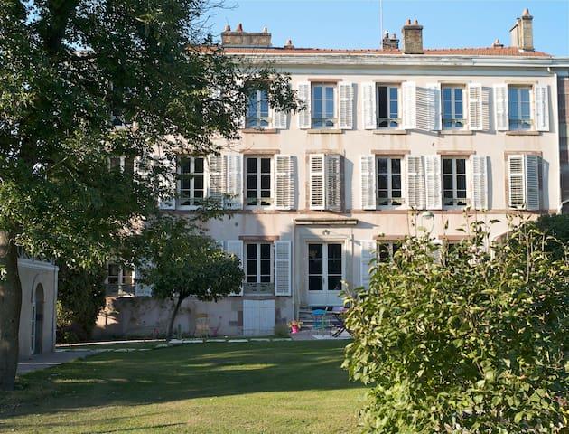 Chambres et tables d'hôtes superbes - Lunéville - Bed & Breakfast