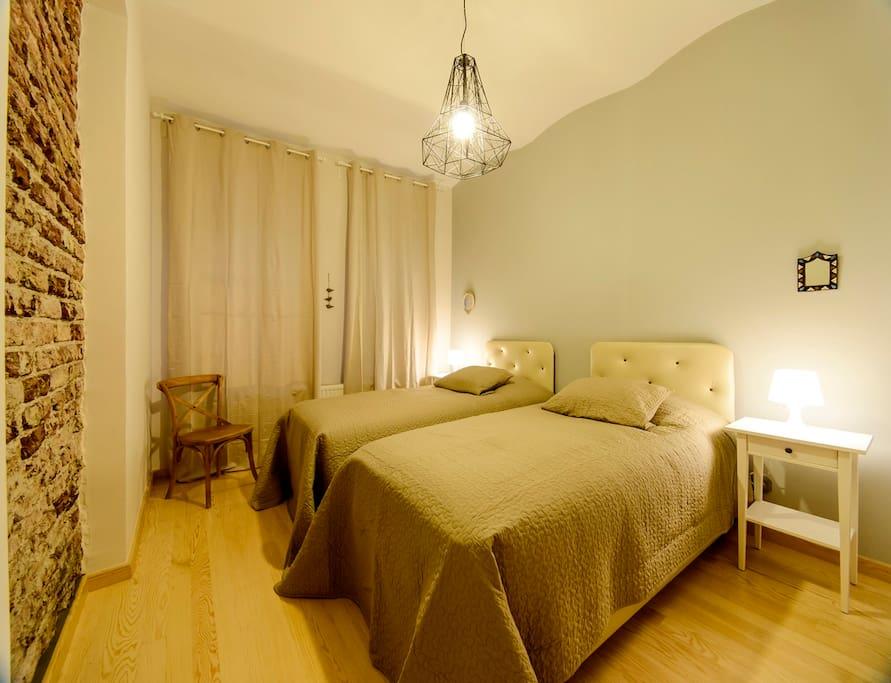 Bedroom#1 night