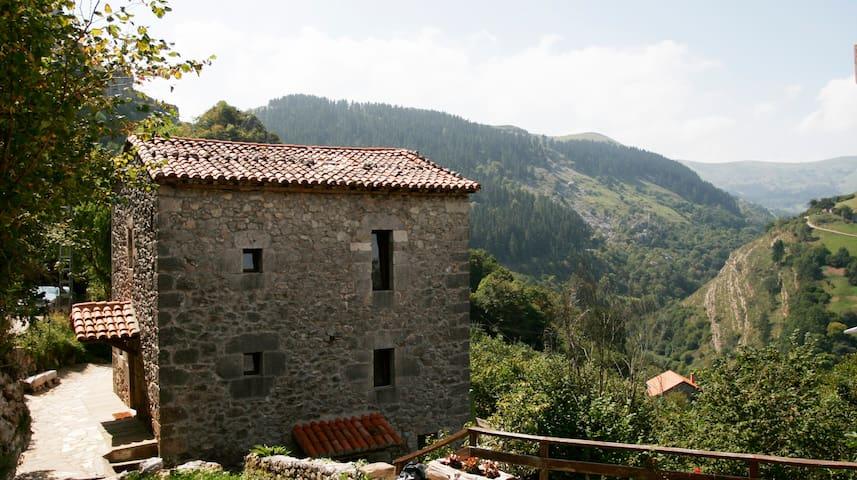 Casa en la Montaña II