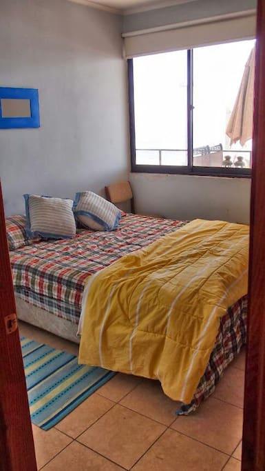 Dormitorio 2  Cama doble vista al mar