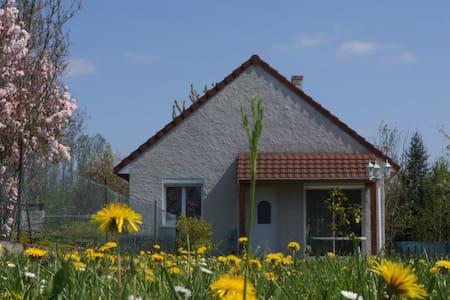 Gîte Maryane de France 4 ou 8 pers. 6km de Beaune - Ladoix-Serrigny