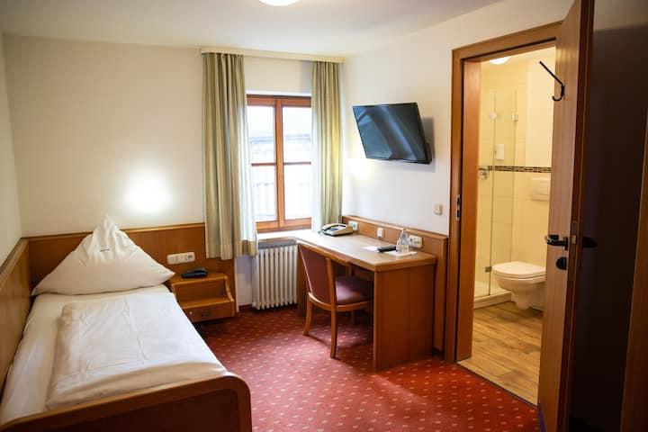 Einzelzimmer-Standard im Hotel Falk