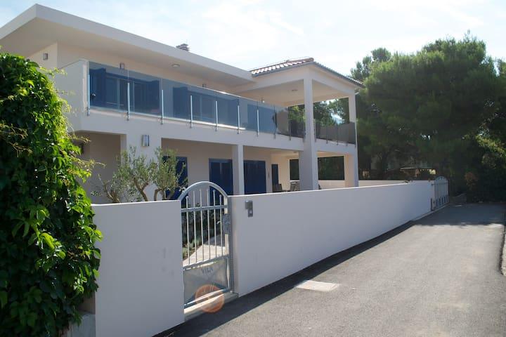 Villa LAVA - Modern villa with pool and terrace