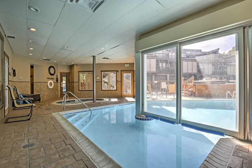 During your stay, enjoy access to the community clubhouse, which features indoor and outdoor pools and hot tubs, a dry sauna, game room, and weight room.