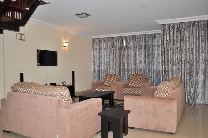 3 BR Furnished Flat in 1004 Estate - Lagos, Nigeria - Daire
