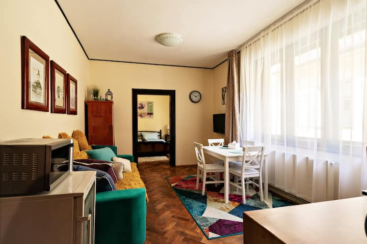 Sunrise Republicii Apartament (Brasov Old Center)