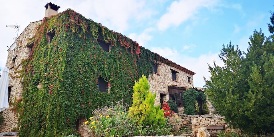 Habitación en Masía restaurada en plena Naturaleza