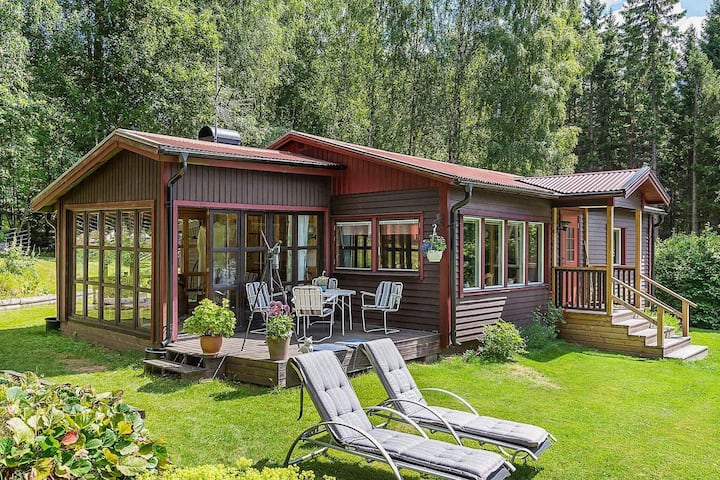 7 person holiday home in AMBJÖRNARP