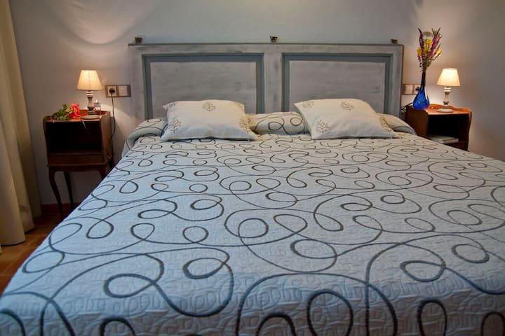 LA VINYA - Torroella de Montgrí - Bed & Breakfast