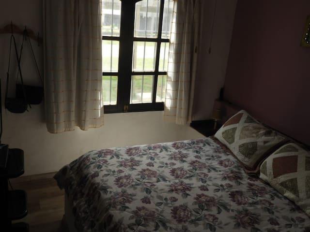 Dormitorio principal . Cama 2 plazas