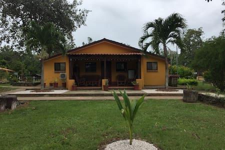 Villa Los Encinos