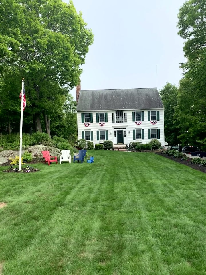 Beautiful Spacious Colonial near it  All