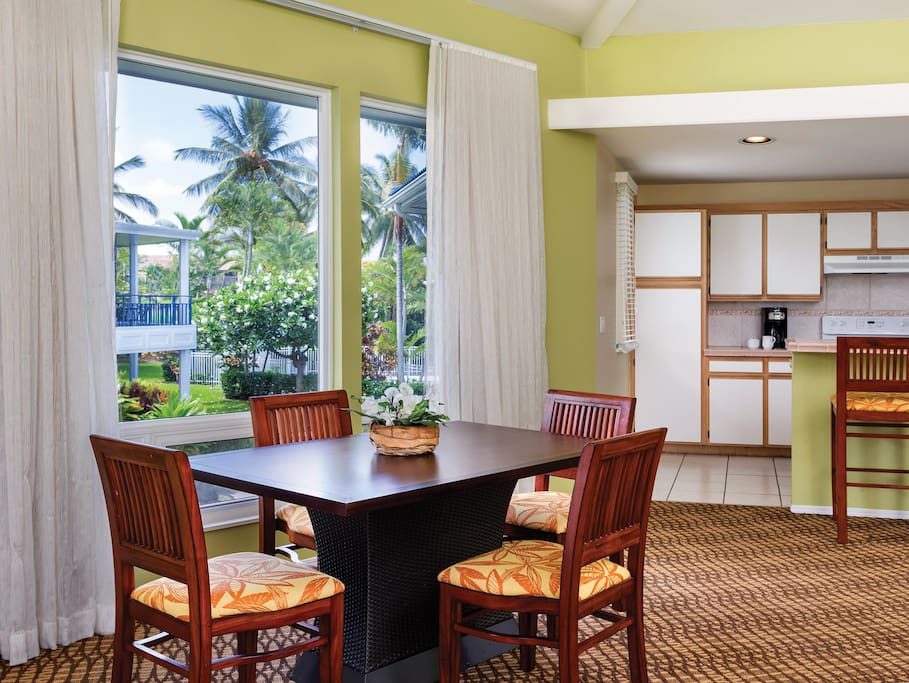 Wyndham Mauna Loa Village - Dining and Kitchen