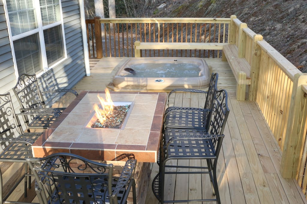 Fire pit and 6 person  hot tub on back deck