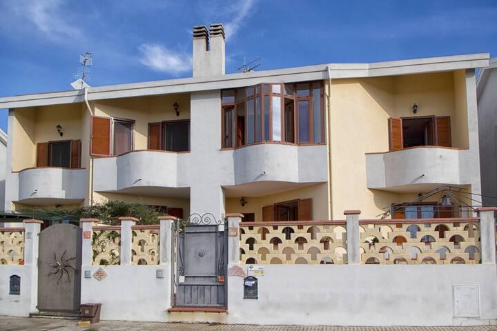 Villetta a Porto Torres 11 p. - Porto Torres - Dům
