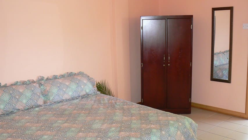 One Bedrm Unit 5mins from  Airport - Vieux Fort