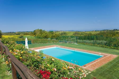 App.with pool and beautiful view - Castelfiorentino