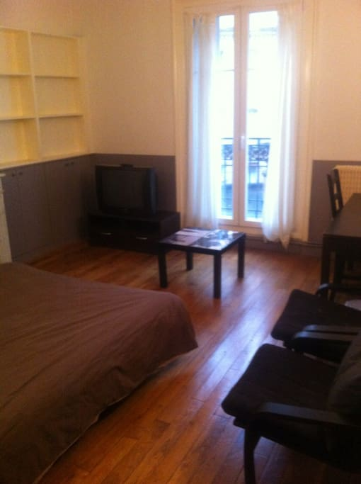 Spacieuse et dans le style des appartements Parisien.