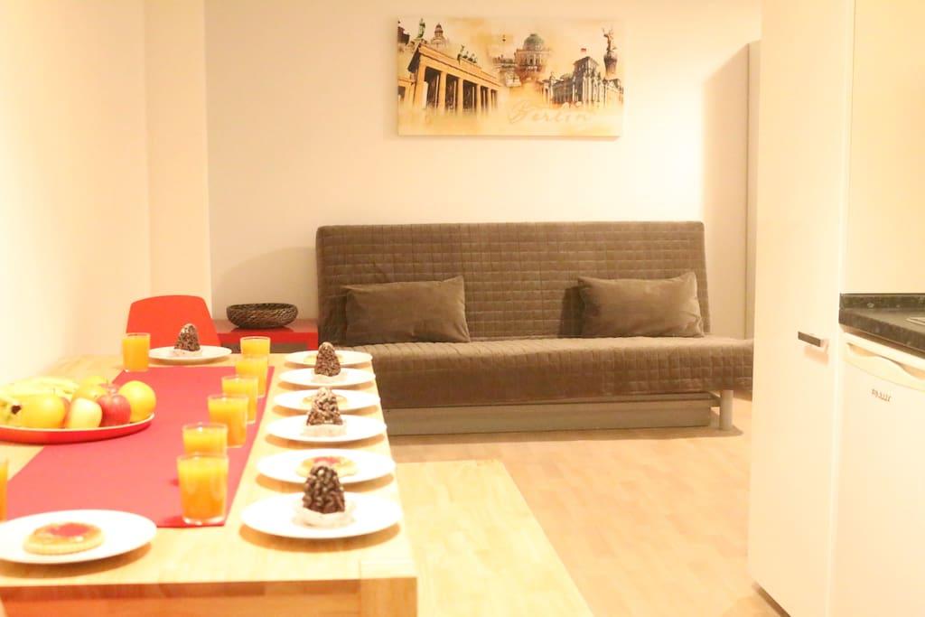 comfortable 3 room apt berlin city apartments for rent in berlin berlin germany. Black Bedroom Furniture Sets. Home Design Ideas