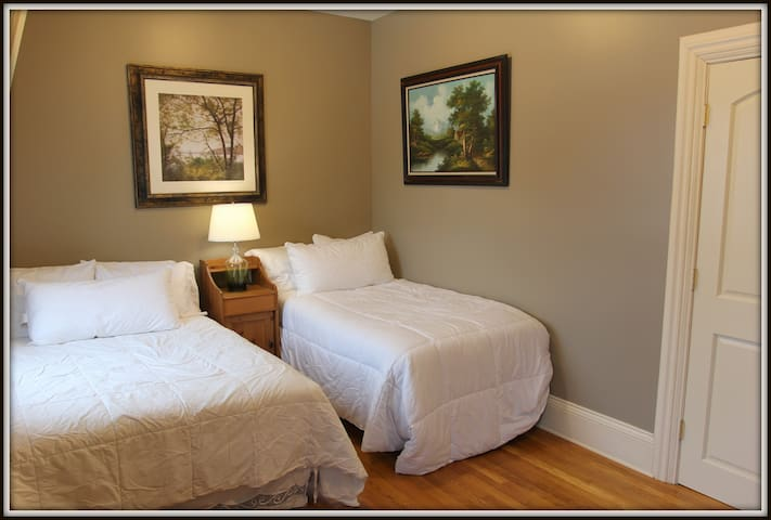 A double and single bed maximize space for your convenience!