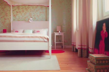 3 schöne Zimmer, B&B an der Lahn. - Villmar Falkenbach - Oda + Kahvaltı