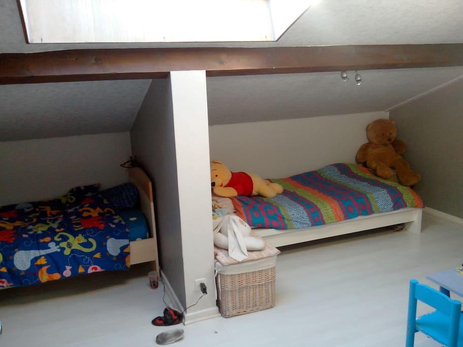 chambre enfant à deux lits