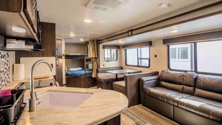 Brand New RV (travel trailer) WiFi with hook ups