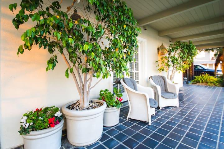 Balboa Island Bayfront Suite #2