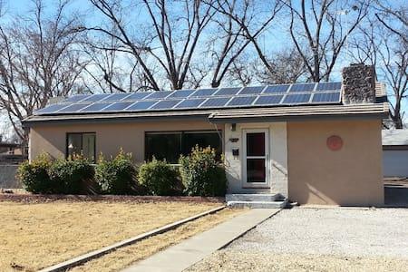 Solar home near  Carlsbad Caverns - Carlsbad