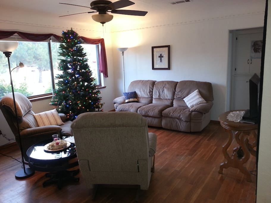 Shared living room for relaxing, reading or watching TV