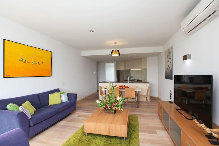 Chic spacious apartment in superb location - Prahran - Apartamento