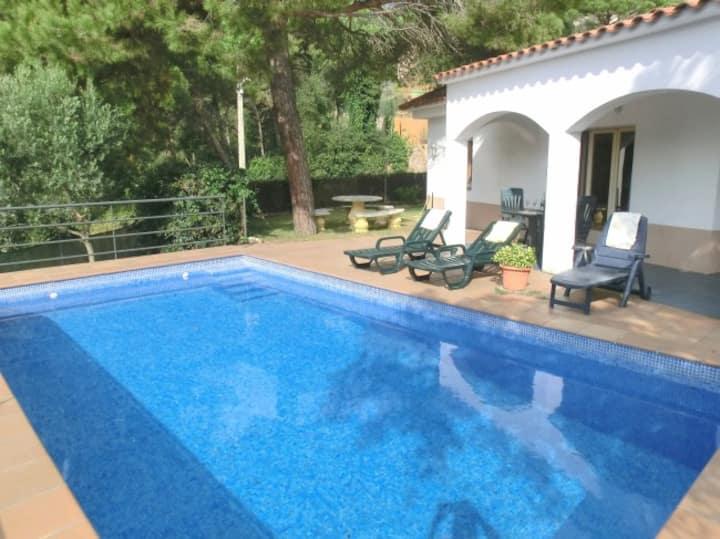 Villa con piscina privada para 7 personas