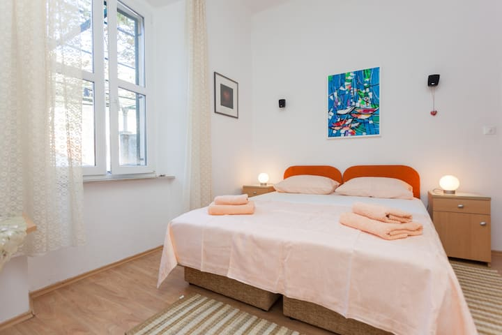 Room Gradac in center of Dubrovnik