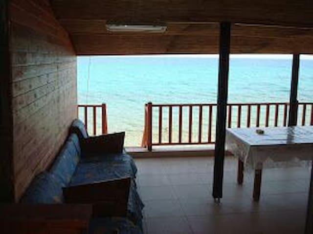 Ξυλινο σπιτακι διπλα στο κυμα!!! - Paralia Eleochoriou - Cabin