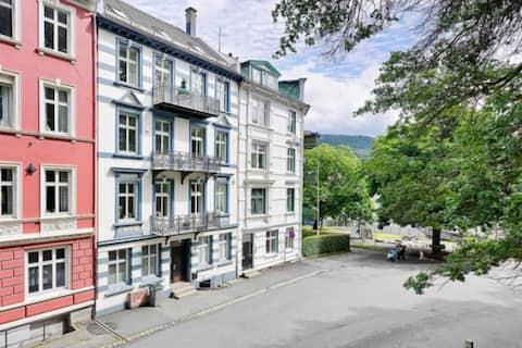 Bright and quiet apartment at beautiful Nordnes