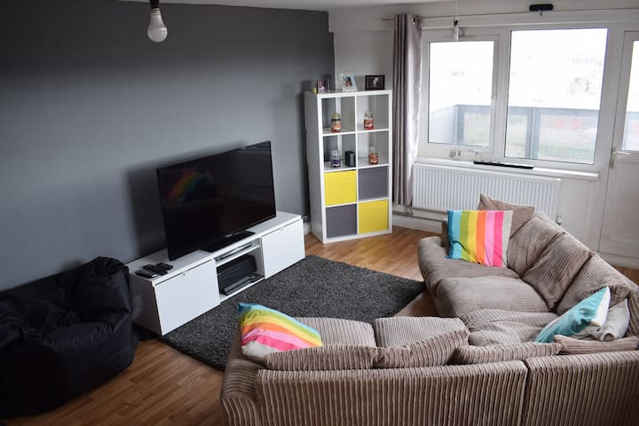 Comfy Apartment with Amazing views of Liverpool.