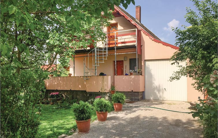 Holiday cottage with 1 bedroom on 50m² in Vonyarcvashegy