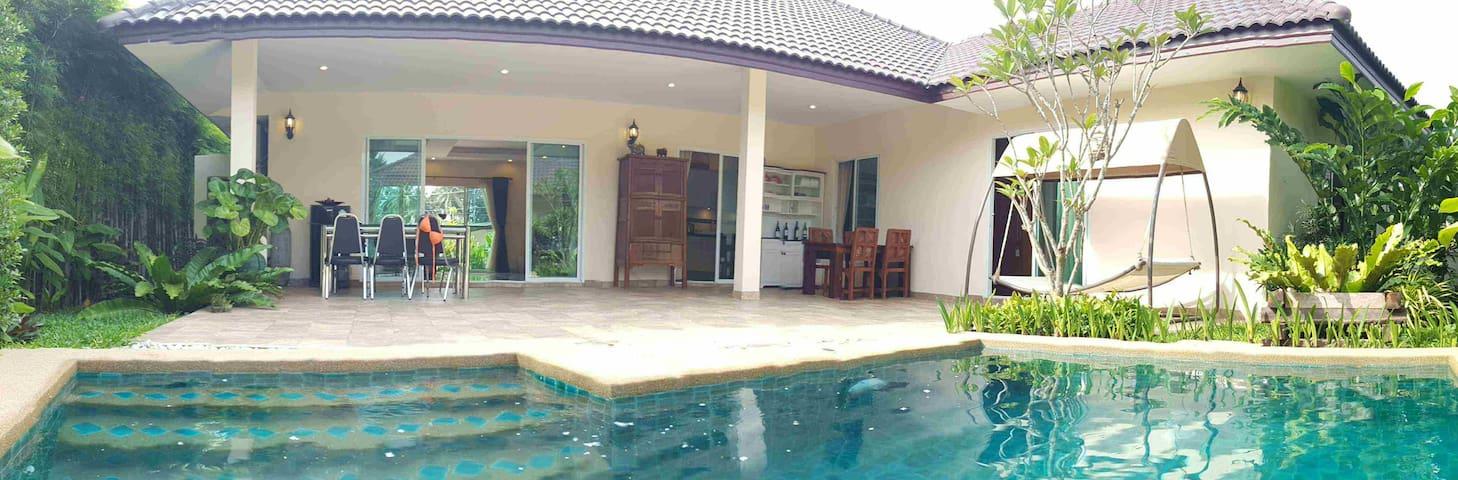 Huay Yai - Spacious well presented pool villa - Bang Lamung District - Дом