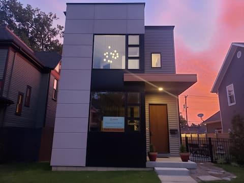 Modern3 bedroom home in HayniesCorner art district