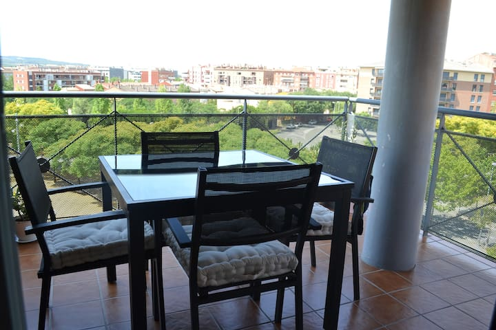 Modern apartment with balcony and roof terrace - Vilafranca del Penedès - Byt