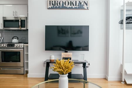 Tidy & Mighty Brooklyn Studio