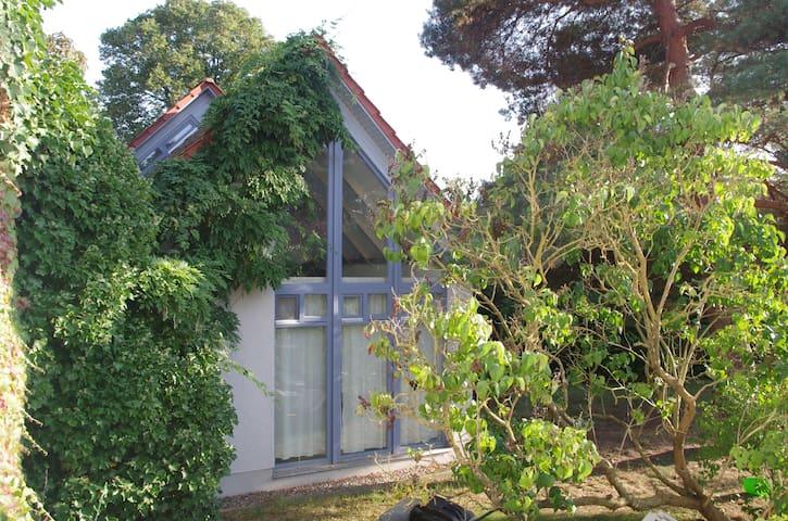 gemütliches 70m-2 -häuschen in Gehlsdorf - Rostock - Talo