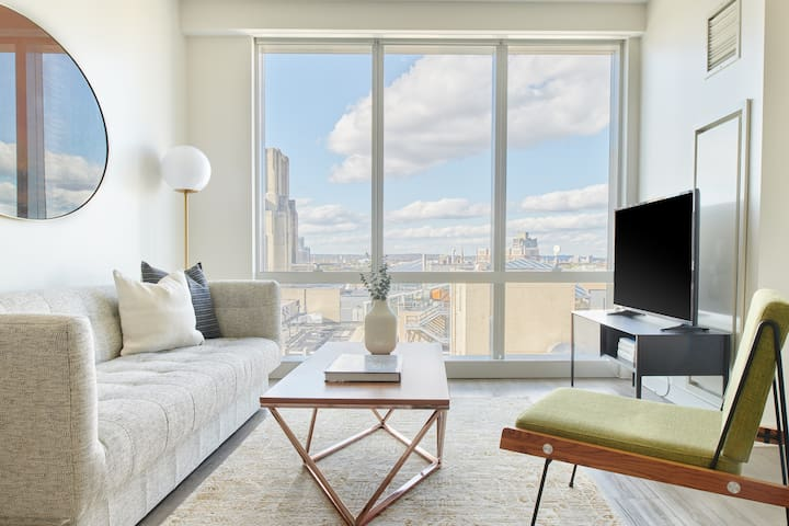 Sonder | Pierce Boston | Natural 1BR + Gym